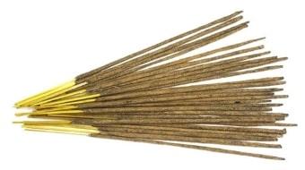 Колдовство с помощью ароматических палочек