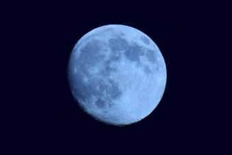 Магическая луна растёт