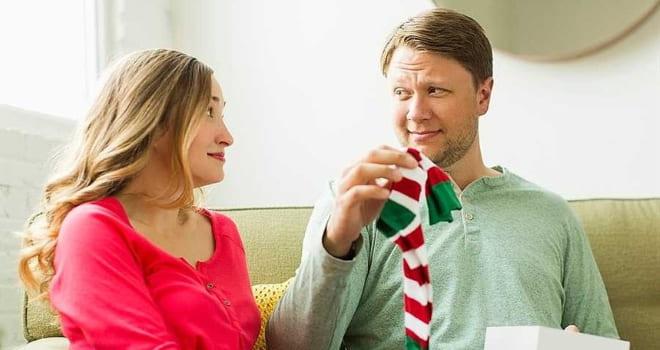 Подарок в виде носков парню
