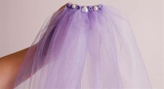 Фата фиолетового цвета