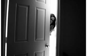 Колдунья не может войти в дом