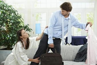 Мужчина сбегает от жены