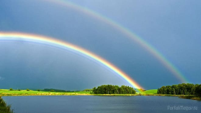 Над рекой радуга
