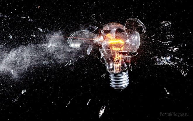 Почему перегорает лампочка